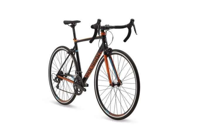 Sepeda balap Polygon Strattos S2