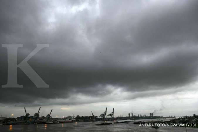 Cuaca besok di Banten hujan ringan, jangan lupa bawa jas hujan
