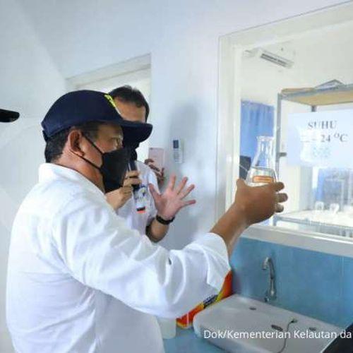 Menteri Trenggono Dorong Balai KKP di Takalar Tingkatkan Produksi Benih Rajungan