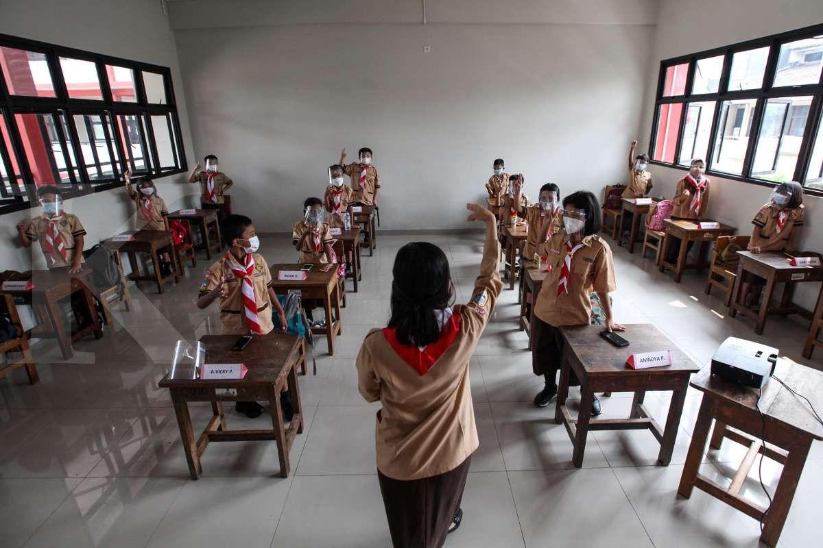 Separuh kapasitas kelas