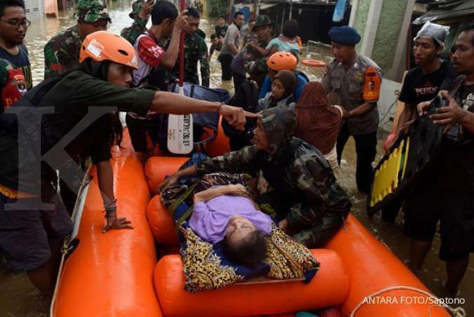 Basarnas kewalahan evakuasi korban banjir Jakarta