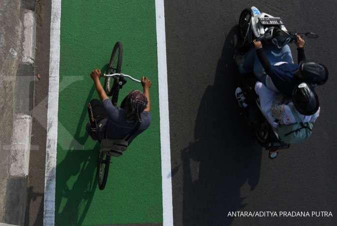 Siap-siap, sanksi Rp 100.000 bagi pesepeda yang keluar jalur khusus