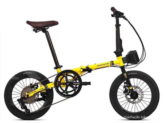 Bergaya klasik dan mungil, harga sepeda lipat Pacific Kodiak E ringan di kantong