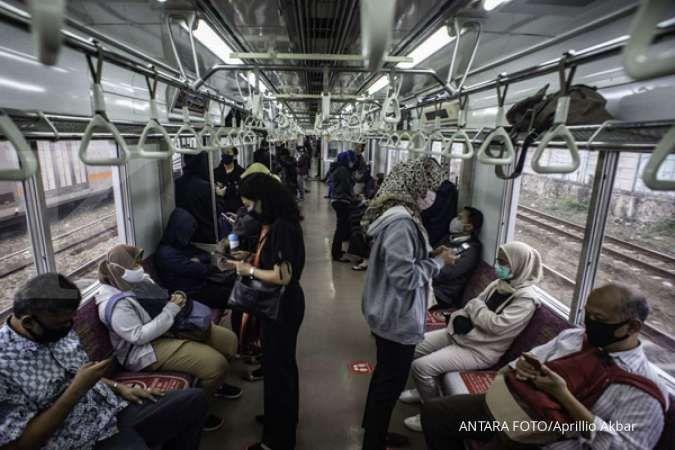 Penumpang KRL dilarang pakai masker scuba & buff saat menaiki kereta