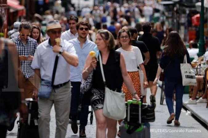 Paris resmi menghapus aturan wajib memakai masker, ini alasannya