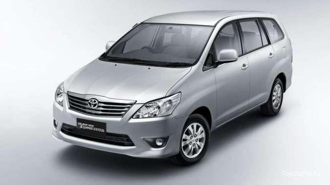Lelang mobil dinas Toyota Innova dan Kijang KF, harga pembukaan hanya Rp 40 jutaan