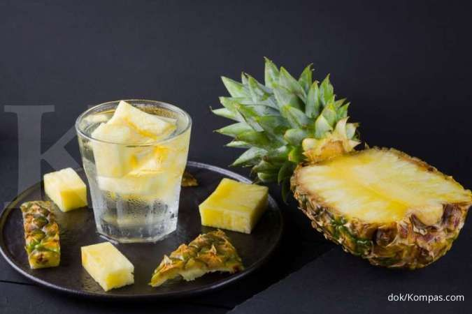 Infused water nanas bisa meredakan batuk dan pilek