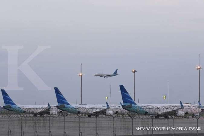 Simak promo tiket pesawat Garuda Indonesia dari Jakarta 7-13 Agustus 2020. Maskapai Garuda Indonesia bersiap mendarat di Bandara Soekarno-Hatta, Tangerang, Banten, Kamis (23/1/2020). Presiden meresmikan sejumlah fasilitas yaitu landasan pacu tiga Bandara