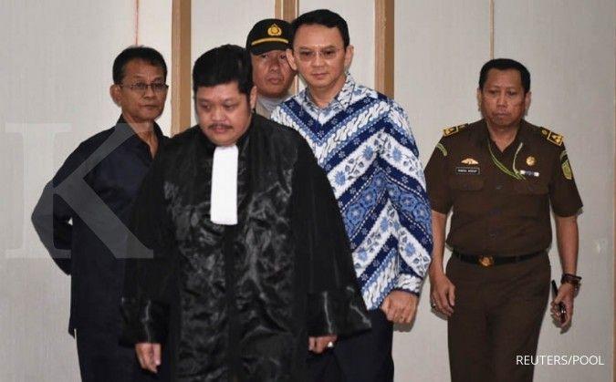Beramal, Ahok lelang baju batik di sidang kasus penistaan agama, harga mulai Rp 54