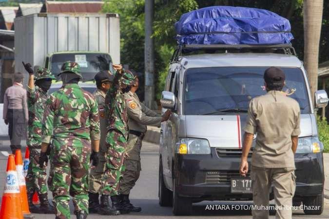 Ratusan kendaraan harus putar balik di check point Puncak Cianjur