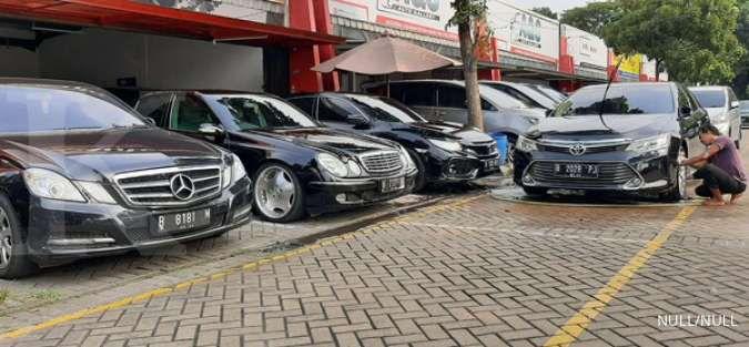 Harga mobil bekas di bawah Rp 100 juta berlabel mewah per Juni 2021