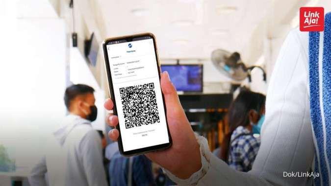 Pembayaran moda transportasi Transjakarta melalui aplikasi LinkAja