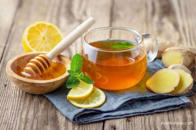 Sedang batuk? Teh jahe dan lemon bermanfaat meredakan batuk