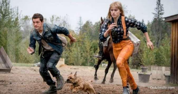 Tom Holland dan Daisy Ridley di film Chaos Walking (2021).