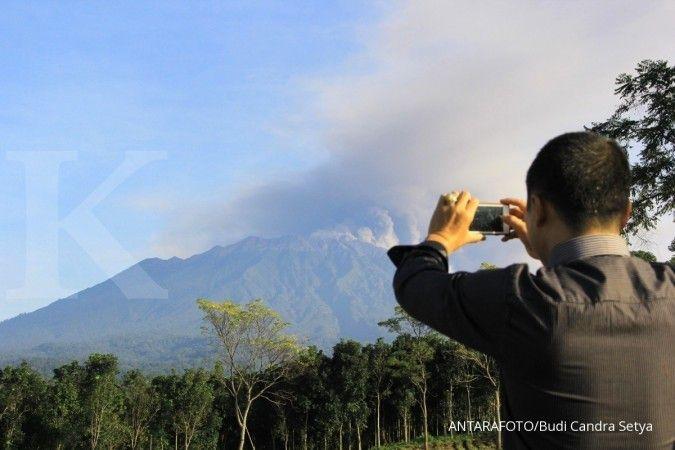Abu vulkanik Gunung Raung menyebar hingga Bali, empat penerbangan dibatalkan