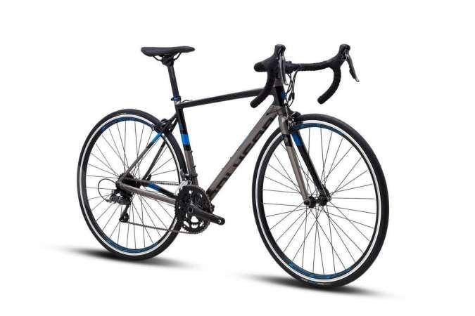 Hadir dengan warna baru, harga sepeda balap Polygon Strattos S2 murah di kelasnya