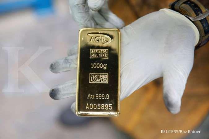 Harga emas spot ditutup menguat ke US$ 1.836.07 per ons troi pada Senin (10/5)