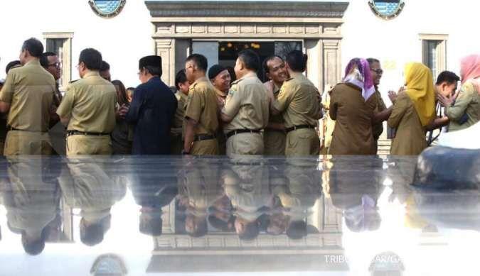Pemerintahan Jokowi ingin pecat PNS tak produktif, bagaimana aturannya?