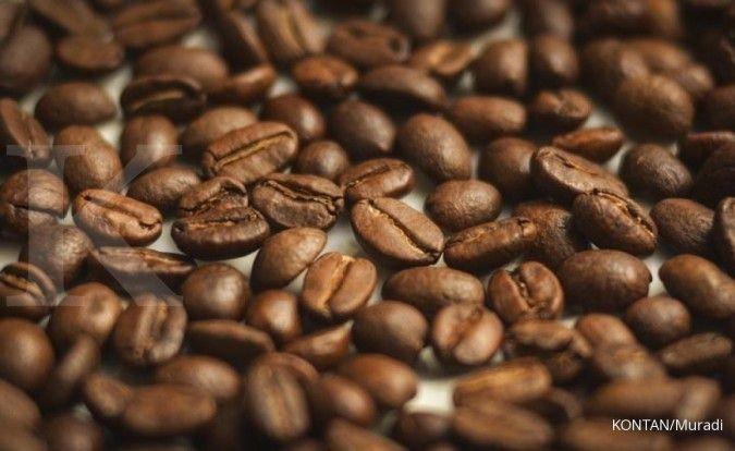 Bubuk kopi bisa jadi cara menghilangkan kopi.