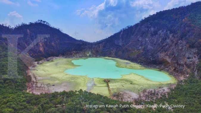 Kawah Putih Ciwidey, destinasi wisata alam dengan harga tiket masuk terjangkau