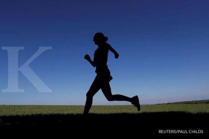 Rajin olahraga bisa jadi salah satu cara mengatasi overthinking.