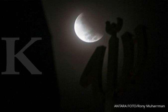Bisa dengan mata telanjang, ini waktu tepat melihat Gerhana Bulan Total malam nanti