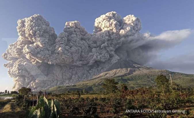 Erupsi vulkanik adalah salah satu penyebab pemanasan global.