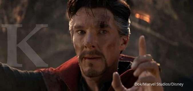 Adegan hasil improvisasi yang dilakukan Benedict Cumberbatch di Avengers: Endgame.