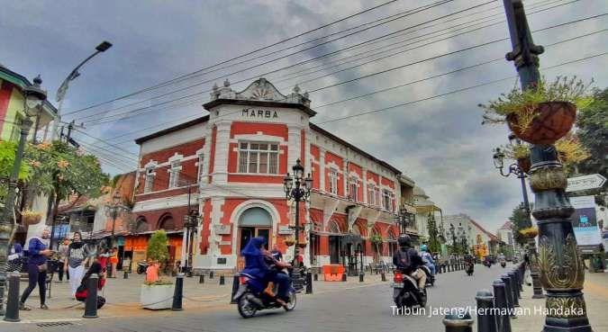 Cuaca hari ini di Jawa dan Bali: Surabaya cerah, Semarang hujan ringan