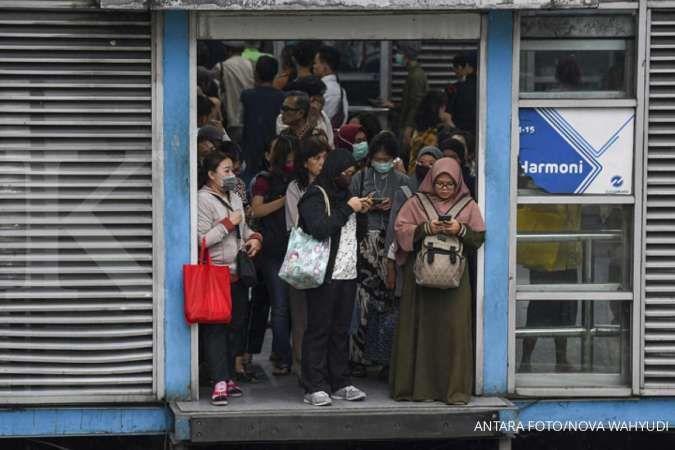 Jangan khawatir, mulai hari ini jam operasional Transjakarta, MRT dan LRT normal lagi