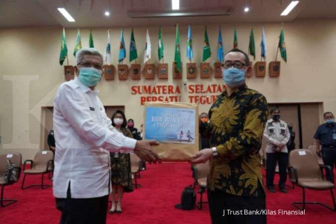 J Trust Bank Serahkan Bantuan APD ke Pemprov Sumatera Selatan