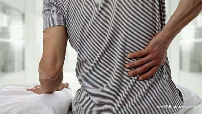 Kenali 6 penyebab sakit pinggang setelah bangun tidur
