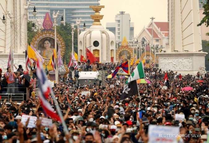 Thailand bredel stasiun TV karena sering siarkan unjuk rasa