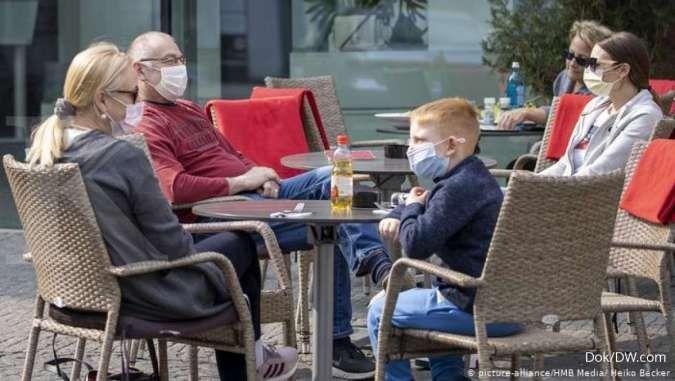 Virus-hit German economy plunges into recession