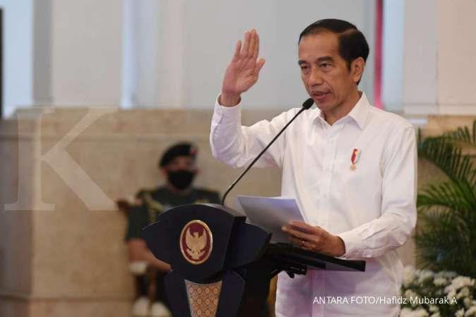 Presiden Joko Widodo memberikan sambutan saat acara penyaluran dana bergulir untuk koperasi di Istana Negara, Jakarta, Kamis (23/7/2020). Pemerintah melalui Lembaga Pengelola Dana Bergulir Koperasi Usaha Mikro Kecil dan Menengah (LPDB-KUMKM) menyiapkan da