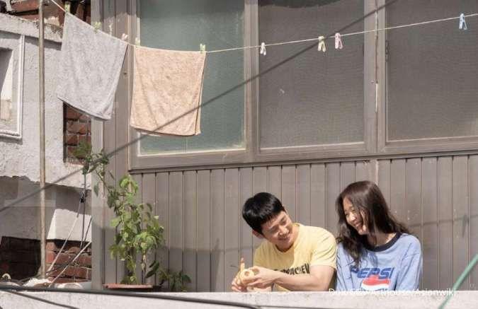 Tune in for Love dibintangi Jung Hae In, deretan rekomendasi film korea romantis yang menarik.