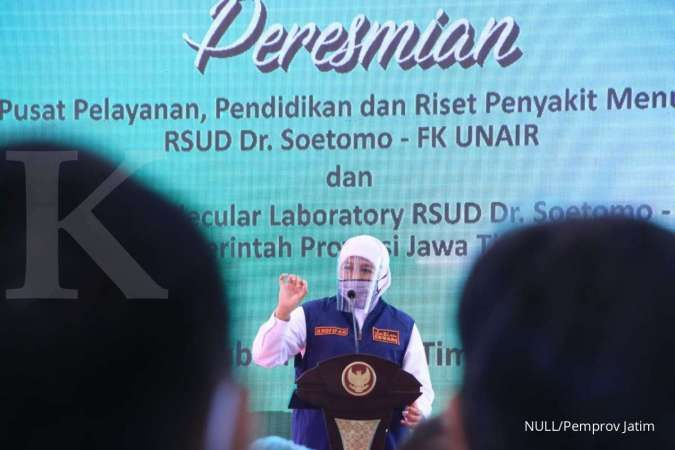 Madu jadi salah satu bantuan material kesehatan Kasad TNI untuk RSUD Dr Soetomo
