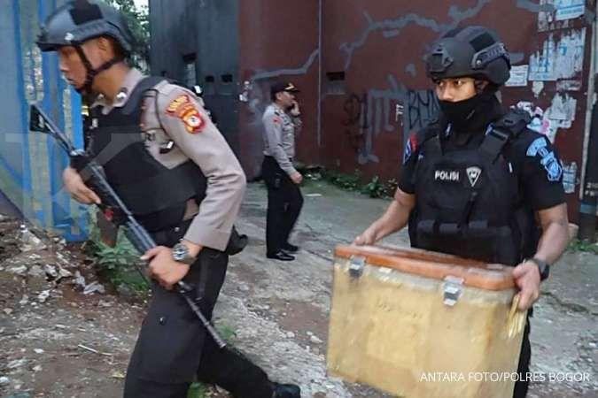 Seorang terduga teroris diringkus Densus 88 di Cirebon