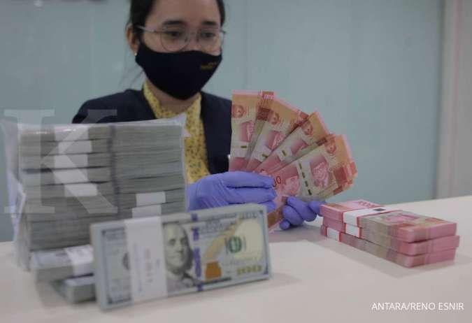 Loyo, rupiah akhirnya ditutup melemah ke Rp 14.355 per dolar AS pada hari ini (17/6)