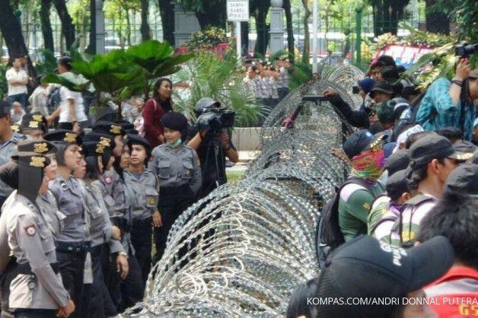 Menjelang demo mahasiswa, jalan sekitar Istana Negara ditutup