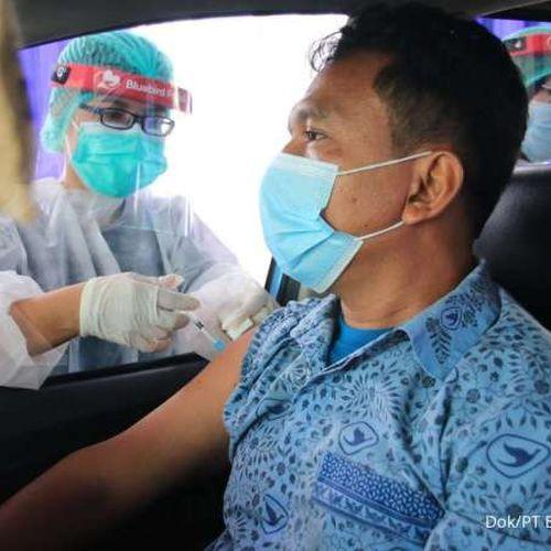 Partisipasi Vaksinasi Menuju 100 Persen, Bluebird Group Bali & Lombok Siap Dukung Pemulihan Sektor Pariwisata