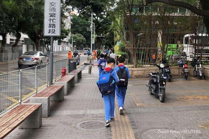 China umumkan undang-undang pendidikan baru, larang penggunaan kurikulum asing