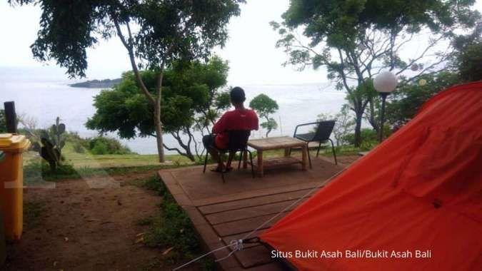 Di Bukit Asah Karangasem, wisatawan bisa camping sambil melihat sunrise dan sunset