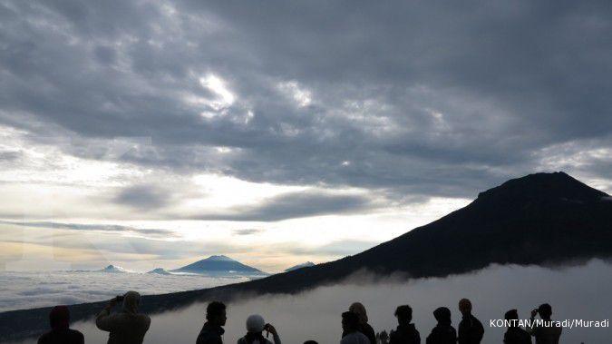 Aktivitas vulkanik Gunung Sindoro meningkat, warga diminta waspada