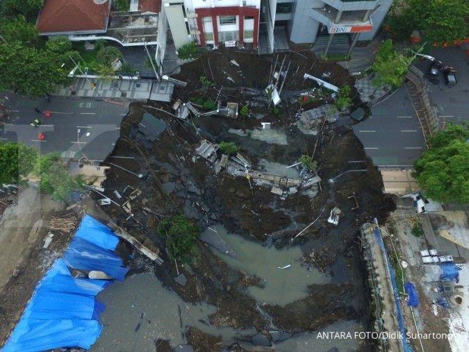 Jalan Gubeng Surabaya ambles, berikut pernyataan resmi dari Siloam