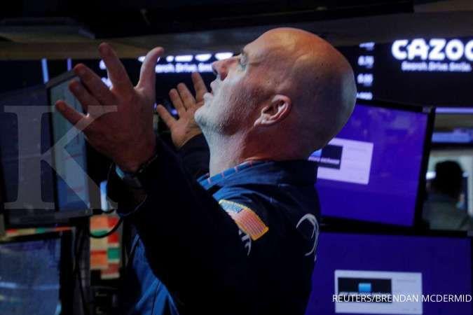 Wall Street jatuh terseret minyak, di saat data ritel Agustus menggembirakan