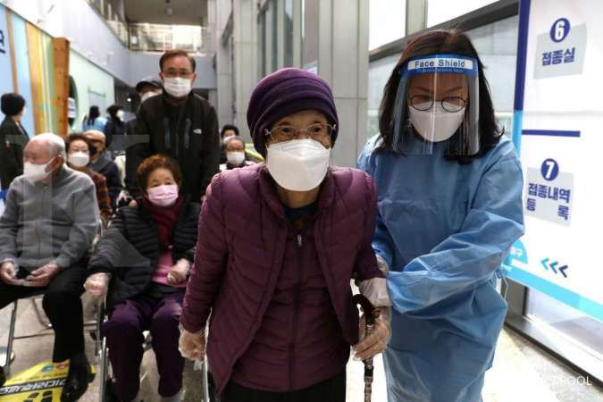 South Korea says AstraZeneca, Pfizer Covid-19 vaccines 87% effective after first shot