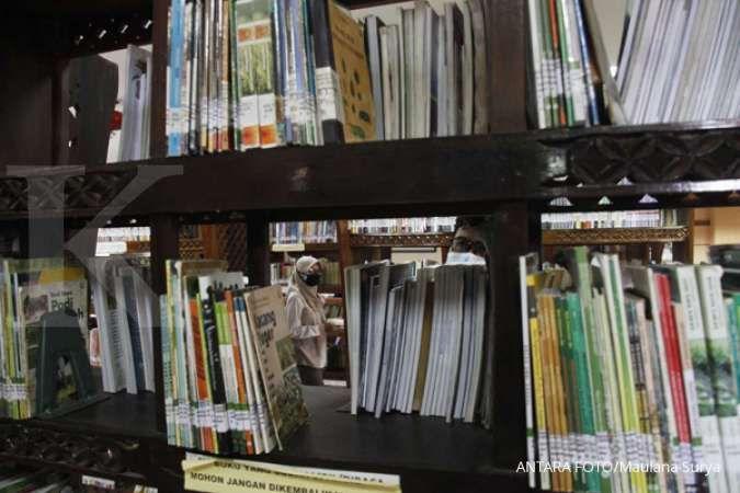 Tips dan Trik Mendekorasi Rak Buku yang Keren dan Instagrammable, Yuk Simak!
