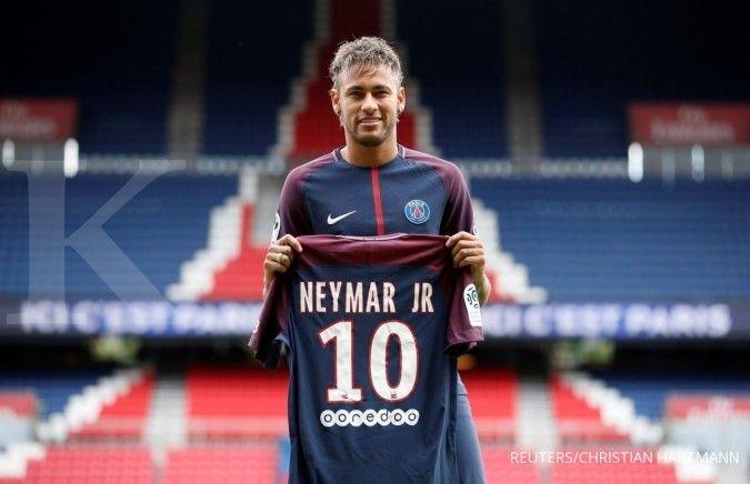 Neymar saat mendarat di PSG (Paris Saint Germain)