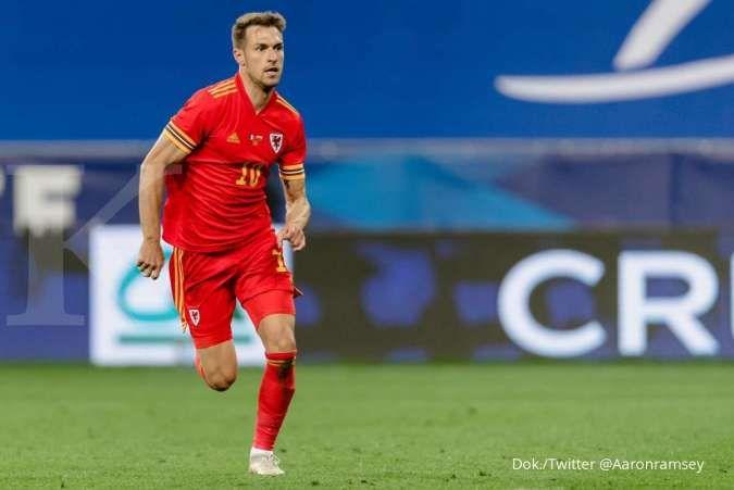 Aaron Ramsey menjadi pemain dalam pertukaran Hector Bellerin ke Juventus